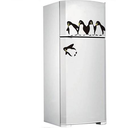 Adesivo de Geladeira Pinguim Caindo