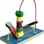 Brinquedo Educativo Aramado Bate com Martelo