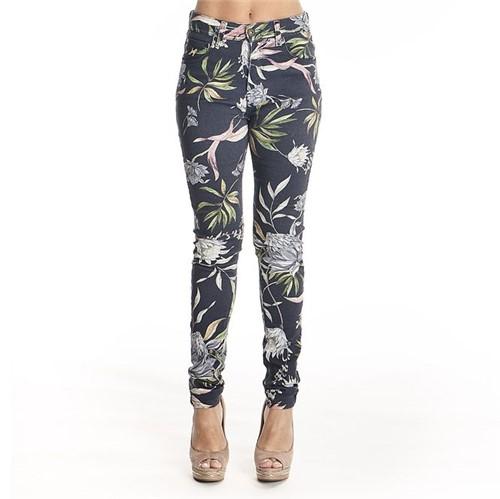 Tudo sobre 'Calça Jeans Feminina'