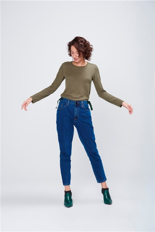 Calça Mom Jeans Cropped Feminina