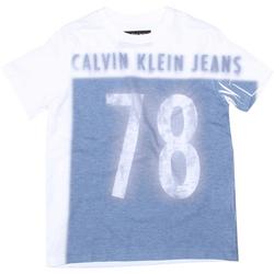 Tudo sobre 'Camiseta Calvin Klein Jeans 78'