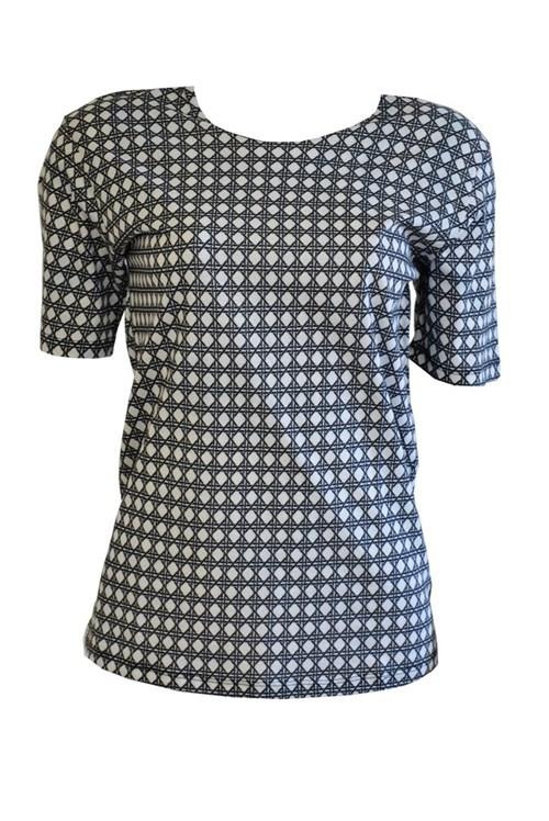 Camiseta Isolda Preto e Branco (42)