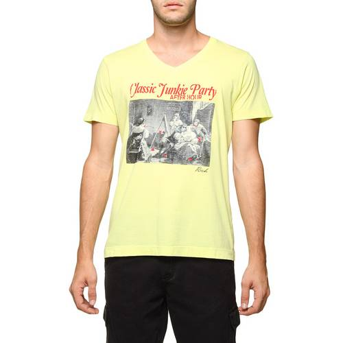 Tudo sobre 'Camiseta Rich Pima Gola V'