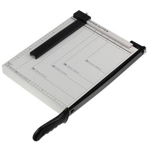 Guilhotina Manual para Cortar Papel Até A4 30cm Capacidade 10 Folhas Base em Aço Black Bull 9156