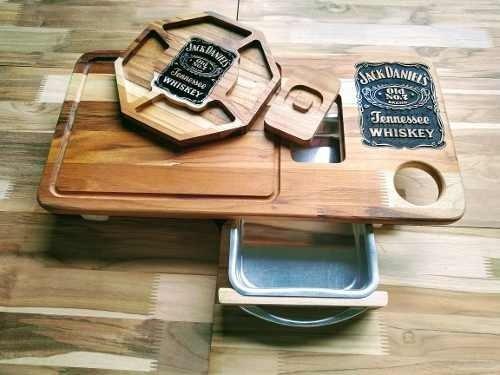 Tudo sobre 'Kit Jack Daniels Churrasco Tabua Inteligente + Petisqueira (Jack Daniels)'