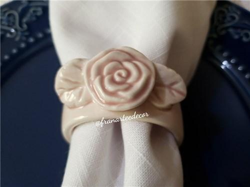 Porta Guardanapo de Porcelana - Flor Rosa