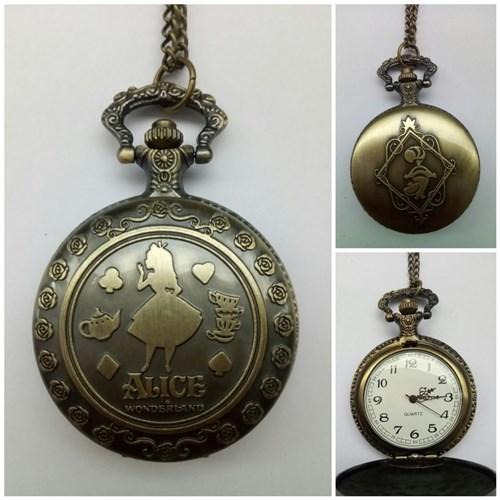 Relógio Alice no País das Maravilhas