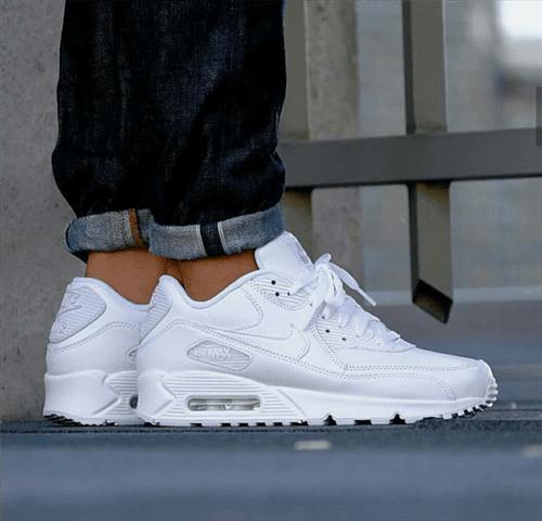 Tênis Nike Air Max 90 Feminino (Branco, 34)