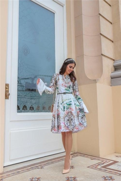 Vestido Princesa Manga Longa (Bege, P)