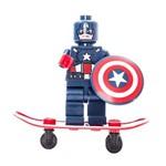 Boneco Lego Marvel Capitão América com Skate e Acessórios
